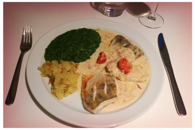 Heute gab es Zanderfilet mit Weißweinsauce.